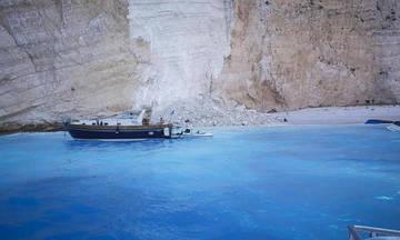 Η κατολίσθηση στο «Ναυάγιο»- Βίντεο από τη θάλασσα (vid)