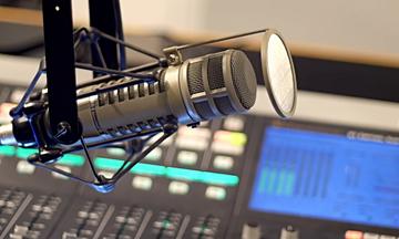 Η μάχη των αθλητικών ραδιoφώνων