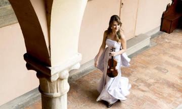Η Francesca Dego στο Μέγαρο Μουσικής με ένα ρεσιτάλ για σόλο βιολί