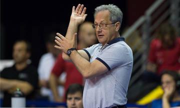 Άσεμνες χειρονομίες του προπονητή της εθνικής Αργεντινής στους Πολωνούς (vid)
