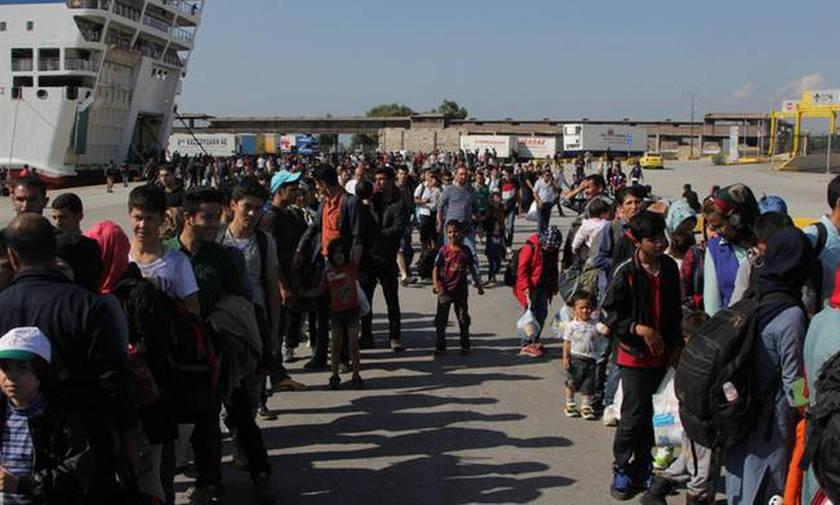 Στο λιμάνι του Πειραιά 462 πρόσφυγες από τη Μόρια