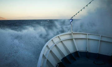 Κακοκαιρία στο Αιγαίο: Ο «Ξενοφών» ακυρώνει δρομολόγια πλοίων