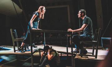 Τα «Ορφανά», του Ντέννις Κέλλυ για 2η χρονιά στο Φουαγιέ της ΕΜΣ