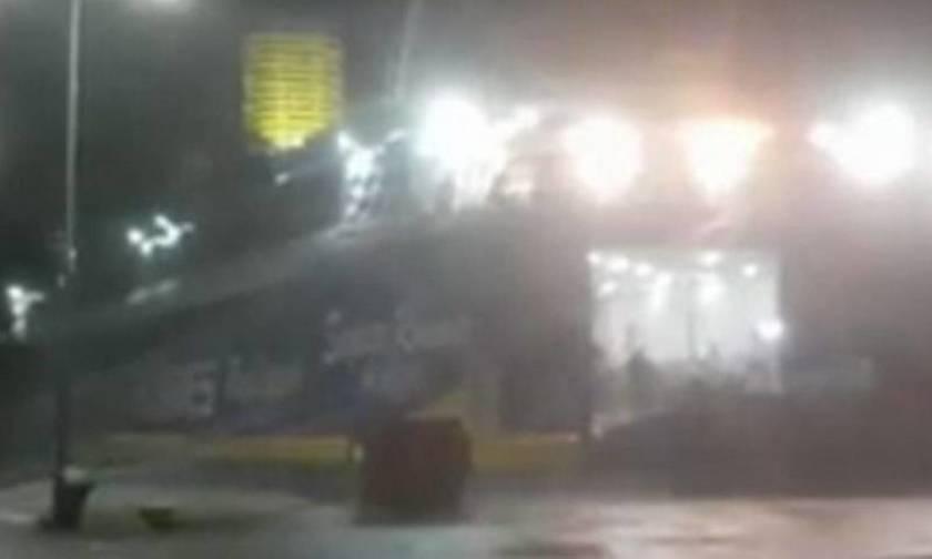 Κλείνουν σχολεία και σε Δήμους της Αττικής  - Βίντεο από τη Ραφήνα με πλοίο έτοιμο να... ξεδέσει