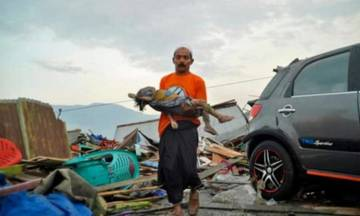 Τραγωδία στην Ινδονησία: Τουλάχιστον 384 νεκροί από τον καταστροφικό σεισμό και το τσουνάμι