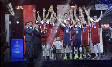 Υποδοχή ηρώων για τους παγκόσμιους πρωταθλητές βόλεϊ  Πολωνούς (vids, pics)