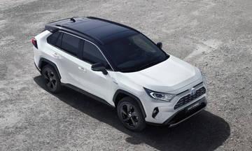 Νέο υβριδικό Toyota RAV4 στο Παρίσι