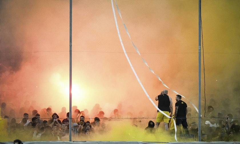AEK - Oλυμπιακός: Επεισόδια στο ΟΑΚΑ (vid)