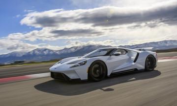 Παρατείνεται για δύο χρόνια η παραγωγή του Ford GT