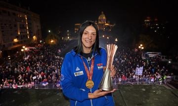 «Θερμή» υποδοχή για τις Παγκόσμιες πρωταθλήτριες στη Σερβία (pics)