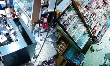 Βίντεο: Η στιγμή του μεγάλου σεισμού στη Ζάκυνθο -Ανοίγουν ψυγεία, αδειάζουν ράφια