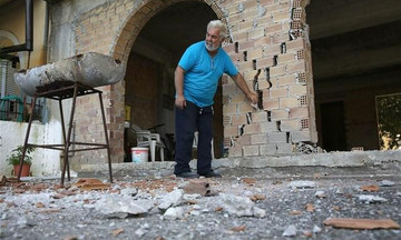 Ζάκυνθος: Έκτακτη εκκένωση κατοικιών που κινδυνεύουν από πτώση βράχου