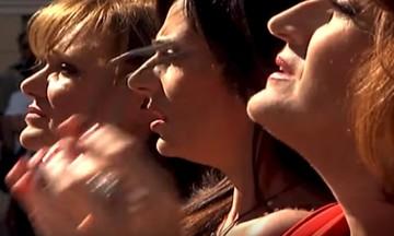 Κι όμως το MEGA συνεχίζει να εκπέμπει - Το αινιγματικό βίντεο με τις τρεις κυρίες (vid)