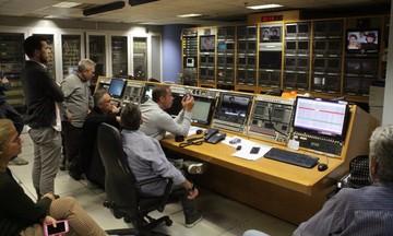 Περιμένοντας το «μαύρο» στο control room του MEGA (pics)