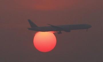 Αεροσκάφος με 188 επιβαίνοντες κατέπεσε ανοικτά της Ινδονησίας