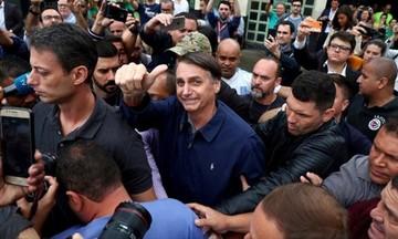 Ο ακροδεξιός Μπολσονάρου εξελέγη πρόεδρος της Βραζιλίας