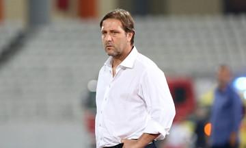 Μαρτίνς: «Λυπηρό να γίνονται ματς σε τέτοια γήπεδα»