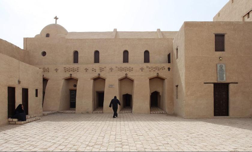 Πολύνεκρη επίθεση σε λεωφορείο με Χριστιανούς στην Αίγυπτο