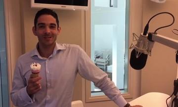 Τραγουδιστής, δικηγόρος, μιλά έξι γλώσσες και στο... ρεπό του σφυρίζει Ολυμπιακός - Παναθηναϊκός