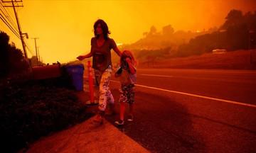 Σκηνές Αποκάλυψης στην Καλιφόρνια – Ασταμάτητη η μεγάλη πυρκαγιά (vid)