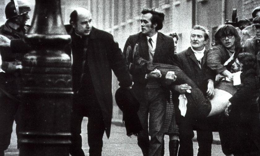 Όταν τα πολυβόλα σκότωναν τους φιλάθλους - Οι U2 και ποιο ήταν το «Γελαστό παιδί» του Μίκη (vids)
