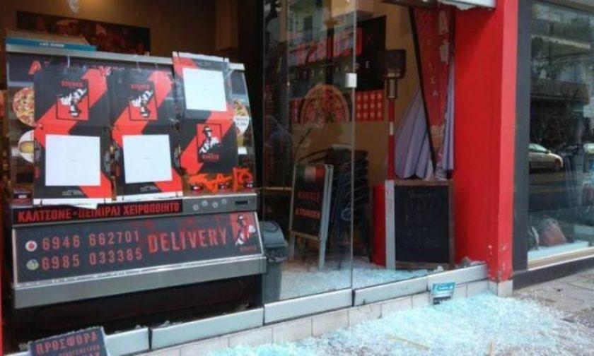 «Γυαλιά καρφιά» έκαναν το κατάστημα του ιδιοκτήτη που ξυλοφόρτωσε ντελιβερά (pics)