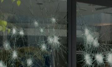Επίθεση του «Ρουβίκωνα» στο δημαρχείο Αλίμου. Δύο προσαγωγές