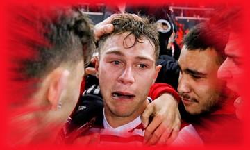 Ολυμπιακός - Μίλαν: Επτά συγκλονιστικές φωτογραφίες για τα δάκρυα του Κούτρη
