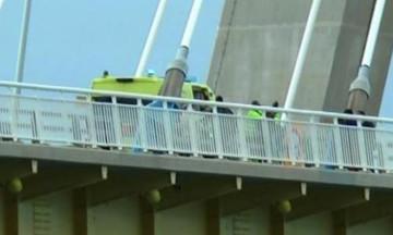 «Πάρε με αγκαλιά»: Η έκκληση του παρ' ολίγον αυτόχειρα στη Γέφυρα Ρίου - Αντιρρίου