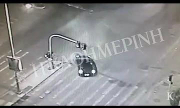 Βίντεο ντοκουμέντο – Η «απόδραση» των βομβιστών από το κτίριο του ΣΚΑΪ (vid)