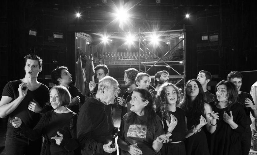 Χριστούγεννα στο Θέατρο: Δέκα παραστάσεις που αξίζει να δείτε