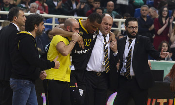 Ανησυχία στην ΑΕΚ για τον τραυματισμό του Χάντερ