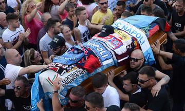 Πεθαίνοντας στα ιταλικά γήπεδα…