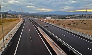 Οδηγοί προσοχή: Υποχώρησε πρανές στην Ολυμπία Οδό