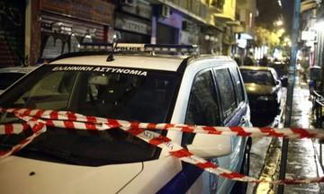 Έγκλημα στον Πειραιά -Παραδόθηκε ο δράστης-Έχει κατηγορηθεί στο παρελθόν για απόπειρα ανθρωποκτονίας