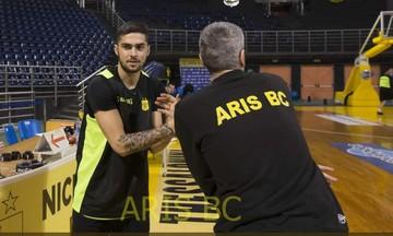 O Τολιόπουλος προπονήθηκε με τον Άρη και παίζει με τον Ήφαιστο