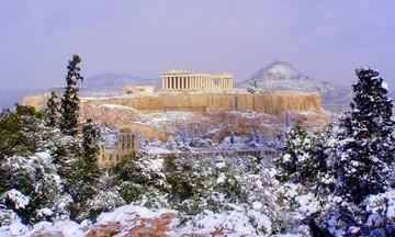 Καιρός: Εξαπλώνεται ο χιονιάς σε όλη την Ελλάδα – Στα λευκά ντύνεται η Αττική