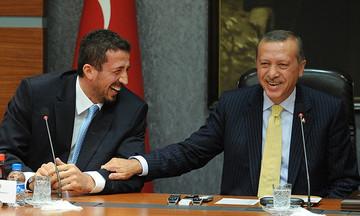 Επίθεση Τούρκογλου σε Καντέρ: «Προσπαθεί να λερώσει την Τουρκία»