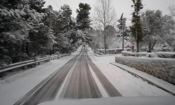Συμβουλές ασφαλούς οδήγησης στο χιόνι