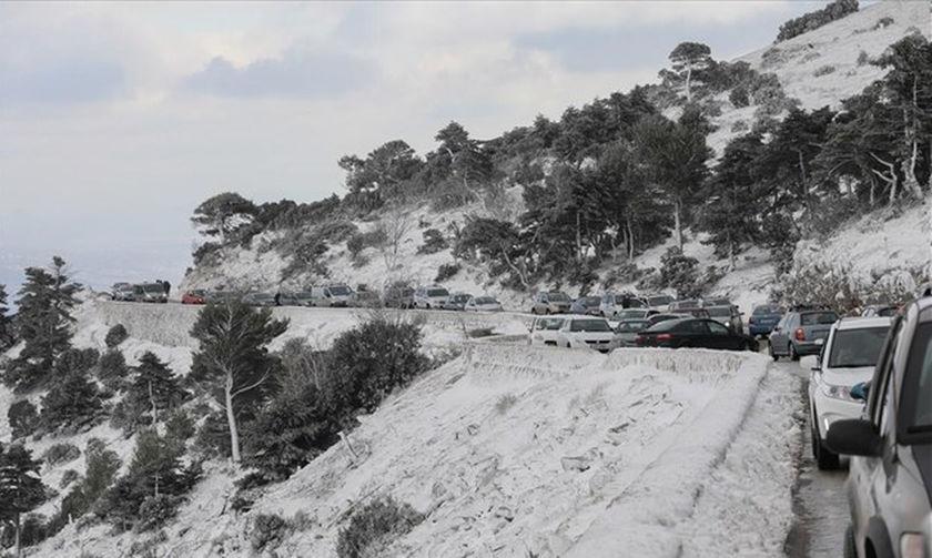 Διακοπή κυκλοφορίας στη Λεωφ. Πάρνηθας λόγω χιονόπτωσης