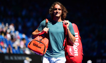 Australian Open: Η mini-movie της νίκης του Τσιτσιπά επί του Μπαουτίστα Αγκούτ (vid)