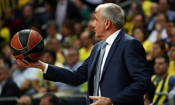 Ομπράντοβιτς: «Περήφανος για τους παίκτες μου, ο Ολυμπιακός δεν άφησε το παιχνίδι σε κανένα σημείο»