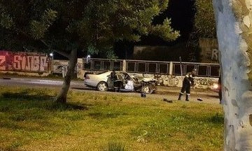 Tρεις οι νεκροί, μία γυναίκα στην εντατική από το φριχτό τροχαίο στην Ποσειδώνος -Πώς έγινε