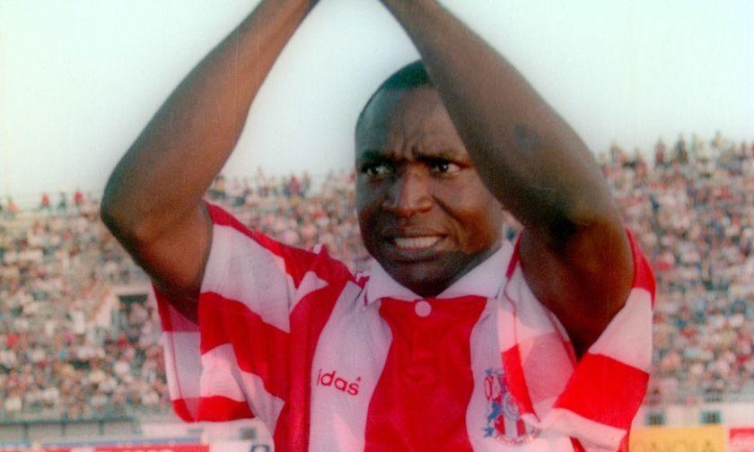 Νιγηριανός πάστορας συγκινεί: «Κατάλαβα όταν άκουσα... Ολυμπιακός. Ο Θεός να ευλογεί τη μνήμη του»