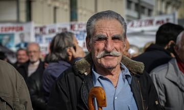 Επιστρέφονται τα αναδρομικά 3,5 ετών από παράνομες μειώσεις - Δικαίωση για τους συνταξιούχους