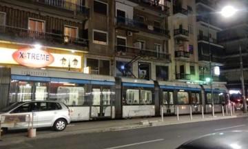 Το τραμ ξανά στους δρόμους του Πειραιά (vid)