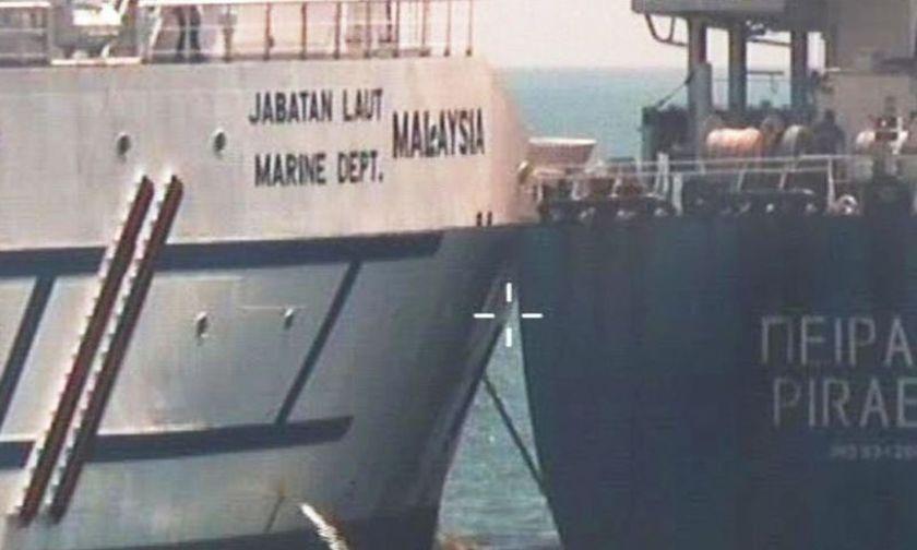 Σύγκρουση του ελληνικού πλοίου Πειραιάς, στη Σιγκαπούρη - Υπό κράτηση το πλήρωμα (vid)