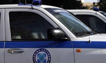 Αιματηρή ληστεία σε κατάστημα ψιλικών - Τρεις τραυματίες