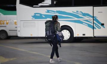 Μεσσηνία: Παρολίγο τραγωδία με σχολικό - Λιποθύμησε ο οδηγός και μαθητής πρόλαβε τα φρένα