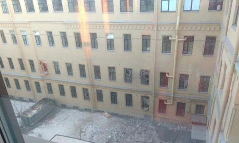 Κατέρρευσαν τοίχοι στο πανεπιστήμιο Αγίας Πετρούπολης- Παγιδευμένοι στα συντρίμμια (vid)